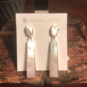 NWT Kendra Scott Carson in White Mother of Pearl!